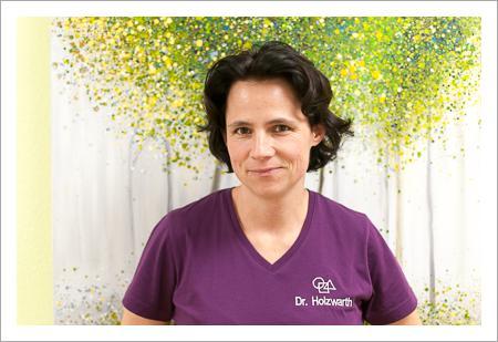 Dr. Anne Holzwarth